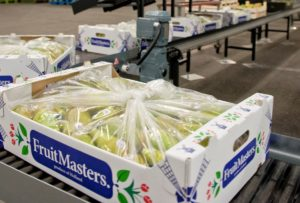 Photo%203%20-%20Packed%20box%20with%20pears%20Fruitmasters
